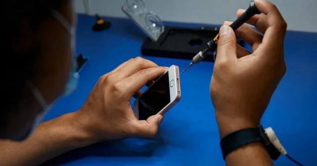 دولت آمریکا متعهد به آزادسازی حق تعمیر آیفون و دیگر محصولات فناوری شد
