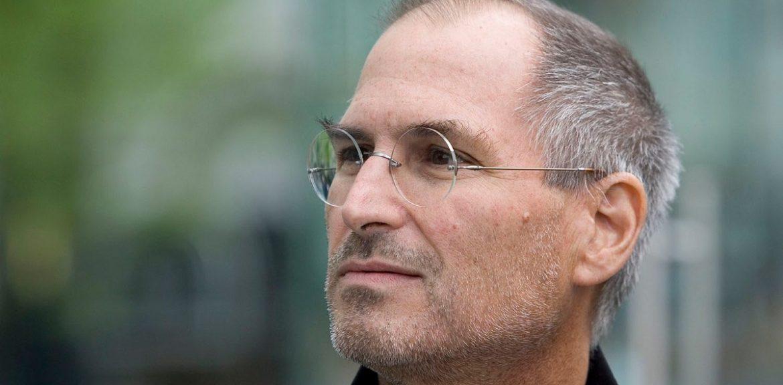 ایمیل استیو جابز تایید میکند که اپل روی آیفون نانو کار میکرده است
